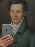 photos-of-museum-portraits-taking-selfies-73